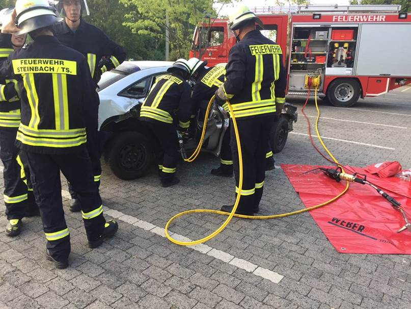 SCP-hilft-Freiwiliger-Feuerwehr-Steinbach-Werkstatt-Erste-Hilfe